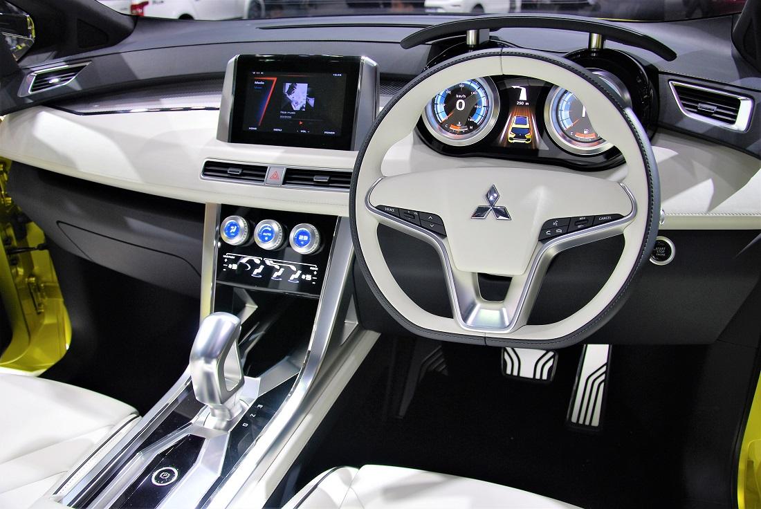 Mitsubishi XM Concept Dashboard Thailand International Motor Expo 2016