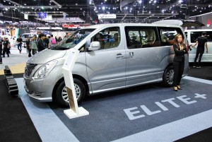 Hyundai H-1 Elite+ Side View 33rd Thailand International Motor Expo 2016