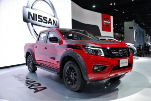 Nissan Navara Black Edition Front 33rd Thailand International Motor Expo 2016