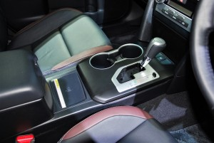 Toyota Camry ES Sport Centre Console 33rd Thailand International Motor Expo 2016