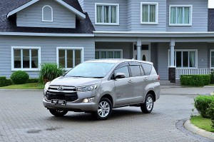 Toyota Innova Media Drive 2016 Malaysia YSK_1112