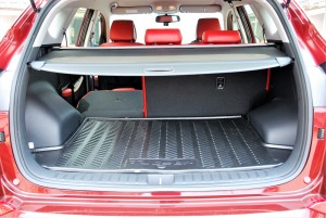 Hyundai Tucson Executive Cargo Space with Tonneau Cover, Malaysia 2016