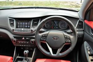 Hyundai Tucson Cockpit, Malaysia 2016