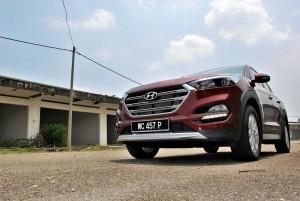Hyundai Tucson Executive Low Angle, Malaysia 2016