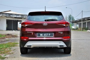 Hyundai Tucson 2.0 Executive Rear View Malaysia 2016