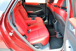 Hyundai Tucson 2.0 Executive Optional Red Leather Seats, Malaysia 2016