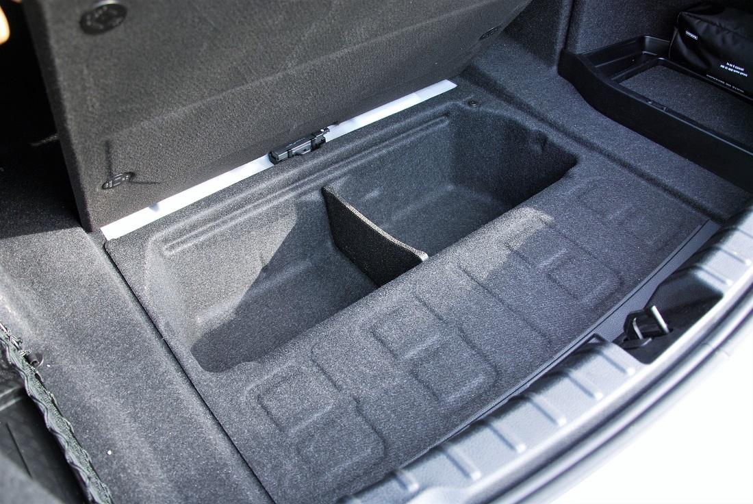 Test Drive Review Bmw 330i Autoworld Com My