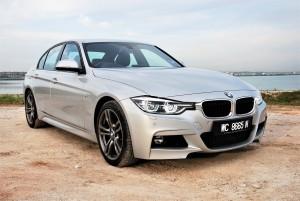 BMW 330i M Sport Front Three Quarter View Malaysia 2016