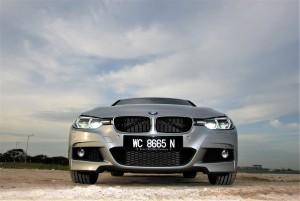 BMW 330i M Sport Front Malaysia 2016