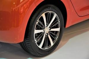 Peugeot 208 Puretech 16 Inch Alloy Wheel 2017 Malaysia Launch