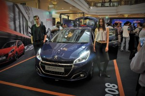 Peugeot 208 Puretech With Models 1Utama Shopping Centre New Wing Malaysia 2017