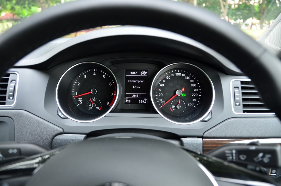 Volkswagen Jetta, With Coasting Function Gets 5 0 l/100km