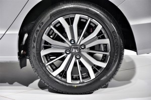 Honda City 2017 Preview Malaysia, Two-Tone Alloy Wheel