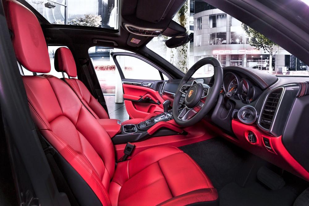 2018 porsche cayenne platinum edition interior