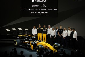 Renault Sport Formula One Team and drivers with the R.S. 17 - Copy