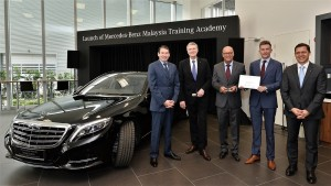 (L-R): Mercedes-Benz Cars, Head of Region Overseas, Dr Till Conrad; Daimler AG Director of Global Training, Mr Joerg Himmelmann; Mercedes-Benz Malaysia (MBM), Vice President, After Sales MBC, Mr Heinrich Schromm; MBM Training Academy, Senior Manager, Mr Dominic Wells; and MBM President and CEO, Dr Claus Weidner