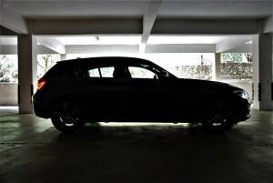 BMW 118i Sport Side View Đen, Malaysia Test Drive