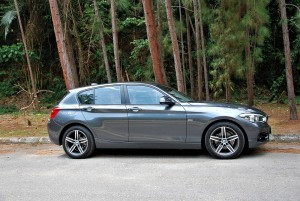 BMW 118i Sport Line F20 Facelift Side View Malaysia