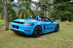 With the 718 Boxster, you want to go topless as much as possible YSK_1220