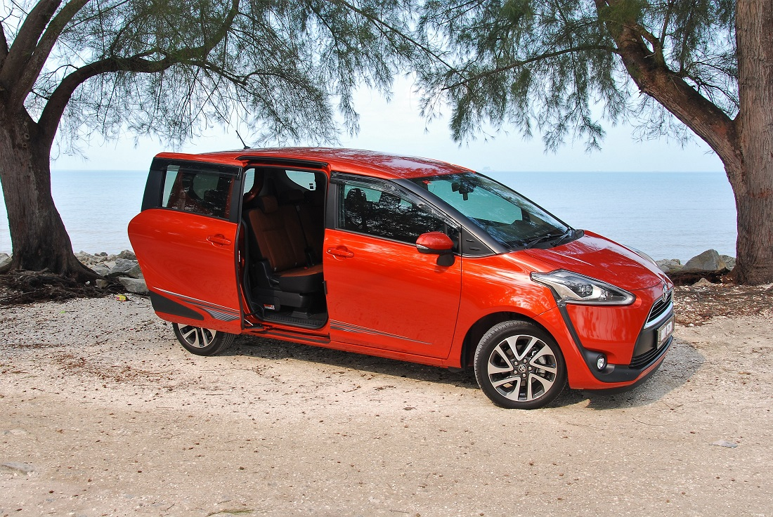 Toyota Sienta 15v Powered Sliding Door Opened Malaysia Autoworld