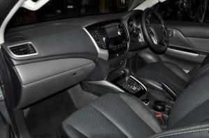 Mitsubishi Triton VGT Adventure Dashboard 2017