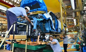 Locally-assembled Captur_at one of the Renault dedicated facility station at TCMA - Copy