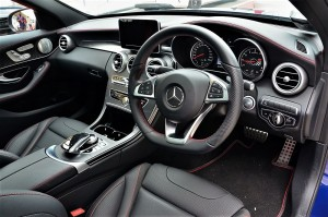 Mercedes AMG C 43 driver's Cockpit YSK_6033