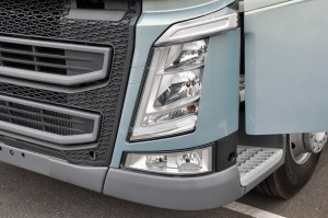Volvo FH 660 Truck Headlamps with Dynamic Bending Lights, Malaysia