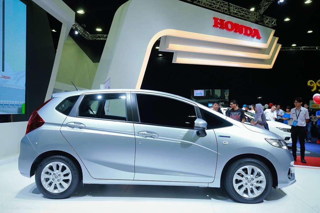 new honda jazz petrol sport hybrid versions open for booking. Black Bedroom Furniture Sets. Home Design Ideas