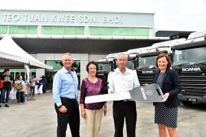 Scania Truck Mock Key Presentation To Teo Tuan Kwee, Malaysia