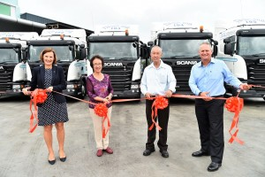 L-R: Marie Sjödin Enström - MD of Scania SEA, Madam Yeoh Hock Kim - MD of TTK Sdn Bhd, Mr Teo Tuan Kwee - MD of TTK Sdn Bhd and Mark Cameron - Regional Director - South Malaysia & Singapore, Scania SEA and Country Manager - Scania Singapore.