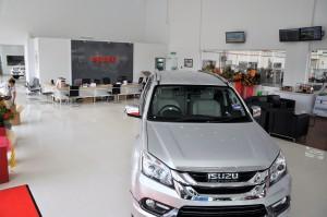 Isuzu Service Center Reception, Padang Jawa Shah Alam