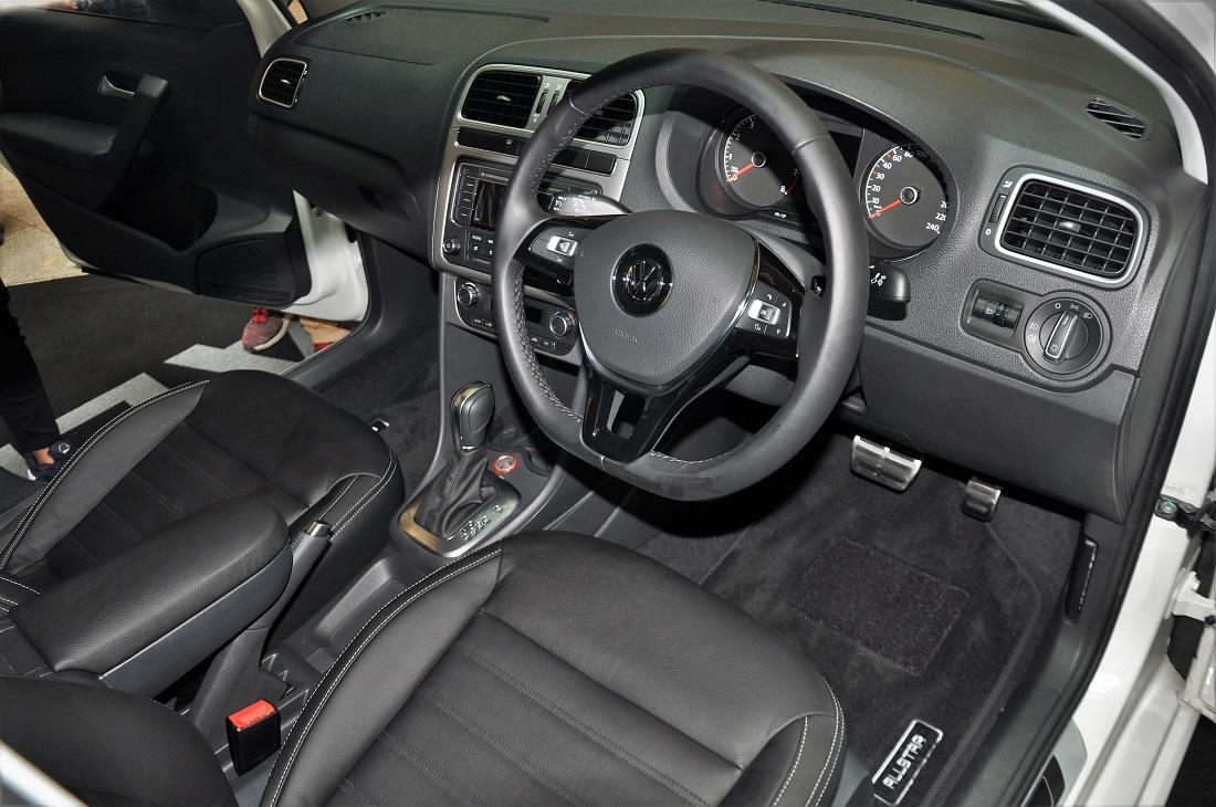new volkswagen beetle vento variants launched. Black Bedroom Furniture Sets. Home Design Ideas