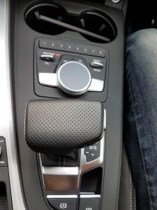 Audi A4 2.0 TFSI Quattro Center Console, Malaysia Media Drive 2017