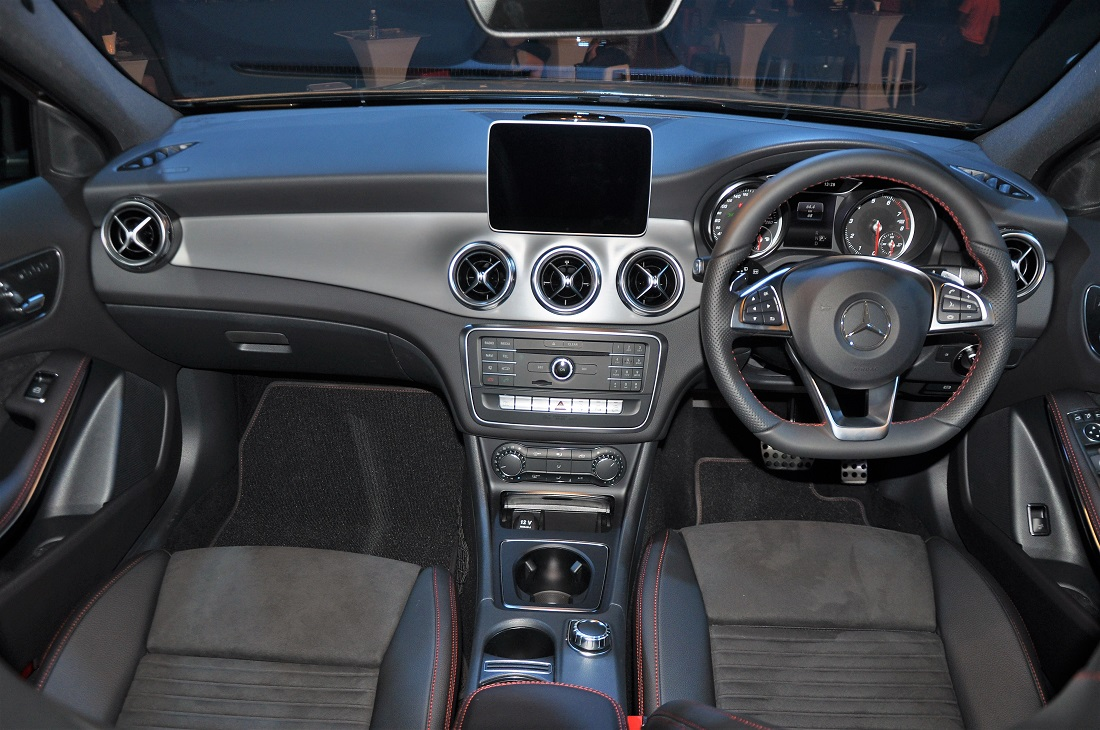 Mercedes-Benz GLA 250 4MATIC AMG Line Interior, Malaysia 2017 ...