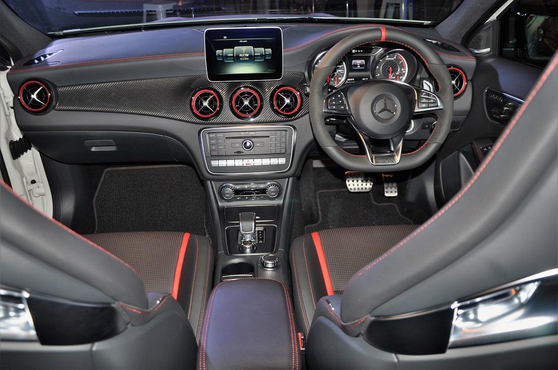 Mercedes Amg Gla 45 4matic Interior Malaysia 2017 Autoworld Com My