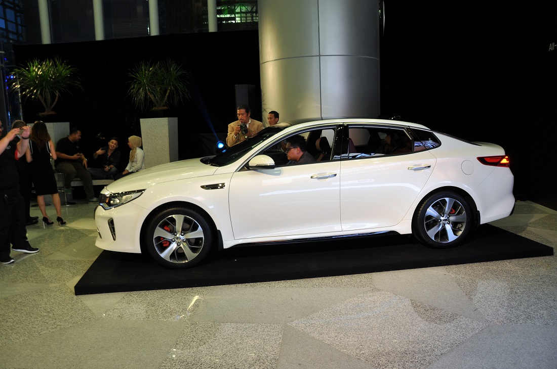 Kia Optima Gt Side View Malaysia Launch 2017