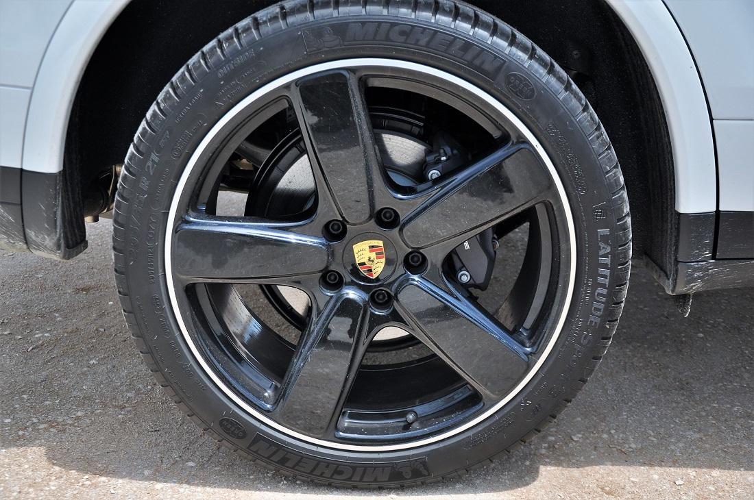 Porsche Cayenne Platinum Edition Sport Clic Wheel Malaysia 2017