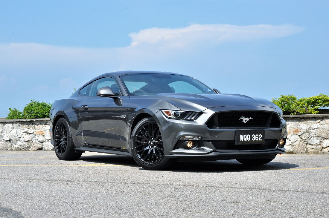 Pictorial Review Ford Mustang Gt