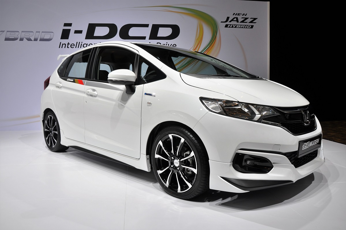 an insight into the new honda jazz hybrid. Black Bedroom Furniture Sets. Home Design Ideas