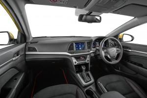 Interior Hyundai Elantra 2.0MPI 2 Malaysia 2017