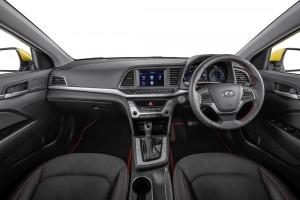 Interior Hyundai Elantra 2.0MPI 3 Malaysia 2017