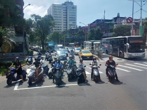 Taiwan Intersection - Motorbikes & Scooters Box