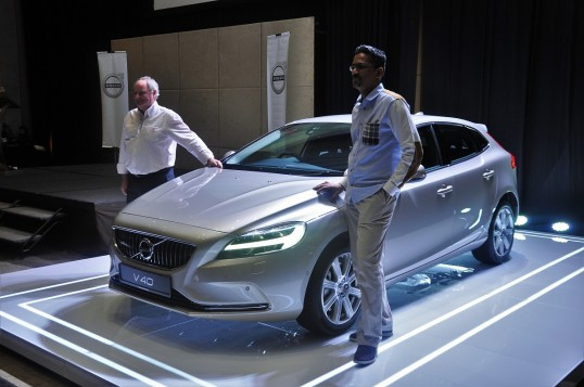 Volvo Hammers The V40 A New Face