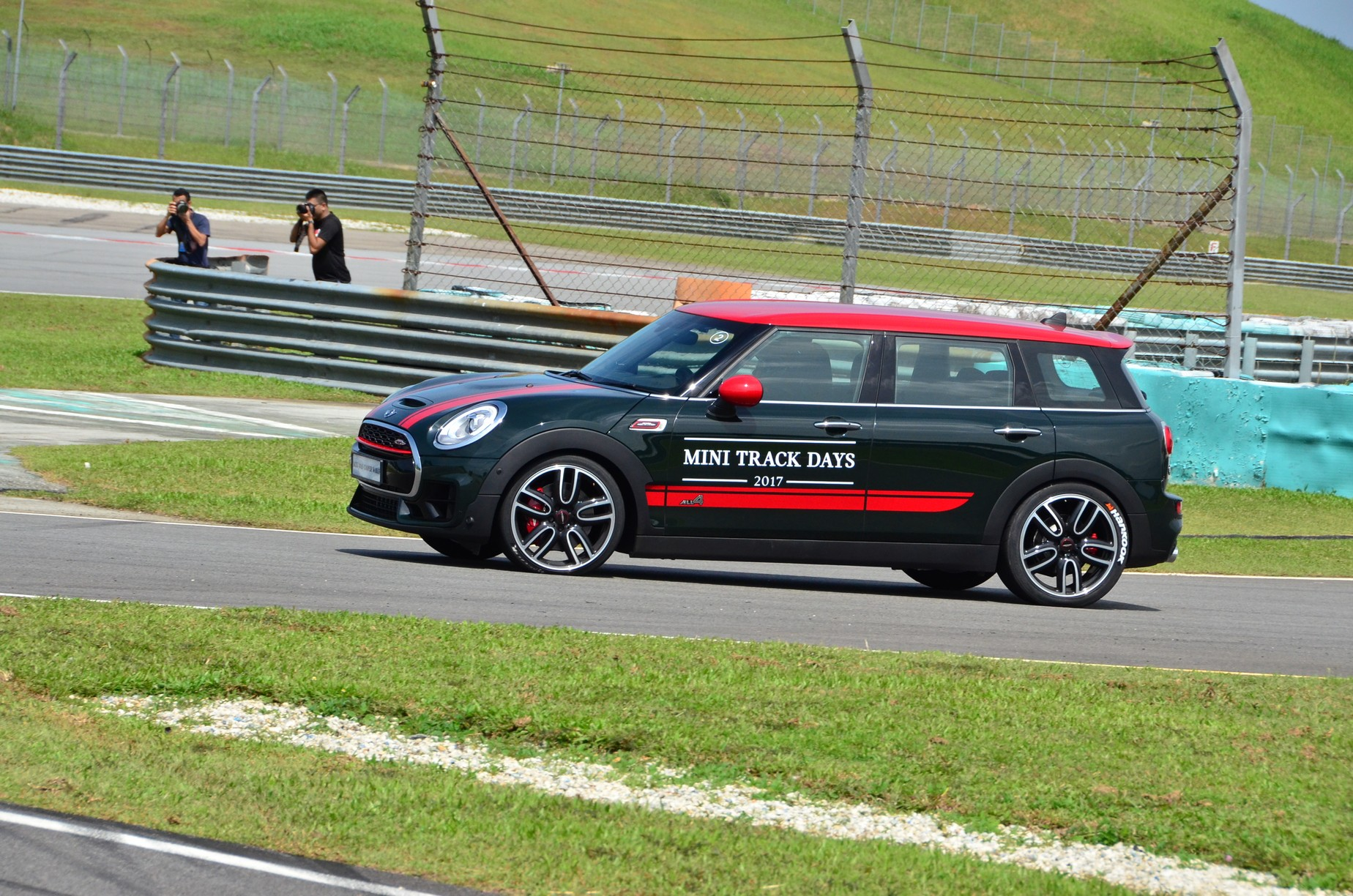 mini malaysia introduces john cooper works range with mini track days at sepang circuit. Black Bedroom Furniture Sets. Home Design Ideas