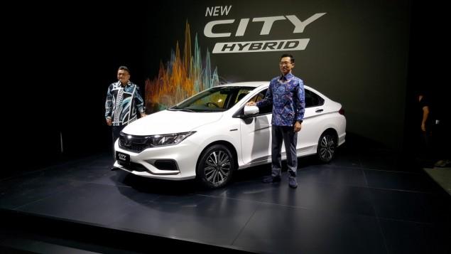 Honda City Hybrid - Eco Sedan or Boy Racer?