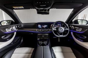 Mercedes-Benz E-300-Coupe-AMG-Line-(24) - Dashboard
