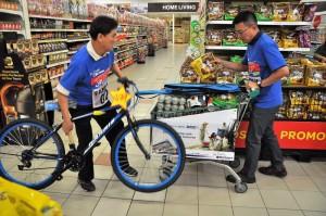 Petron Malaysia Hypermarket Sweep Challenge 2017 Grand Prize Winners