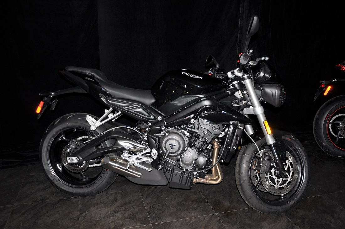 Triumph Speed Triple R Ultimate Performance price, specs, mileage, colours, photos and reviews