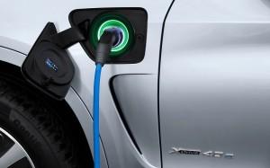 BMW X5 xDrive40e Charging
